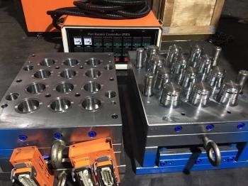 一出12 热流道聪明盖模具  5加仑桶盖模具